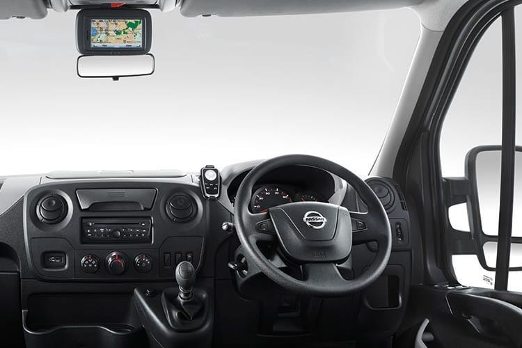 Nissan NV400 L3 35 FWD 2.3 dCi FWD 145PS SE Dropside Double Cab Manual [Start Stop] inside view