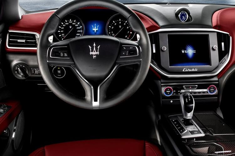 Maserati Ghibli Saloon 2.0 MHEV 330PS GranLusso 4Dr ZF [Start Stop] inside view