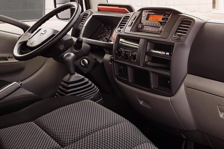 Nissan NT400 Cabstar HGV 45.15 LWB 3.0 dCi DRW 150PS  Chassis Cab Manual inside view
